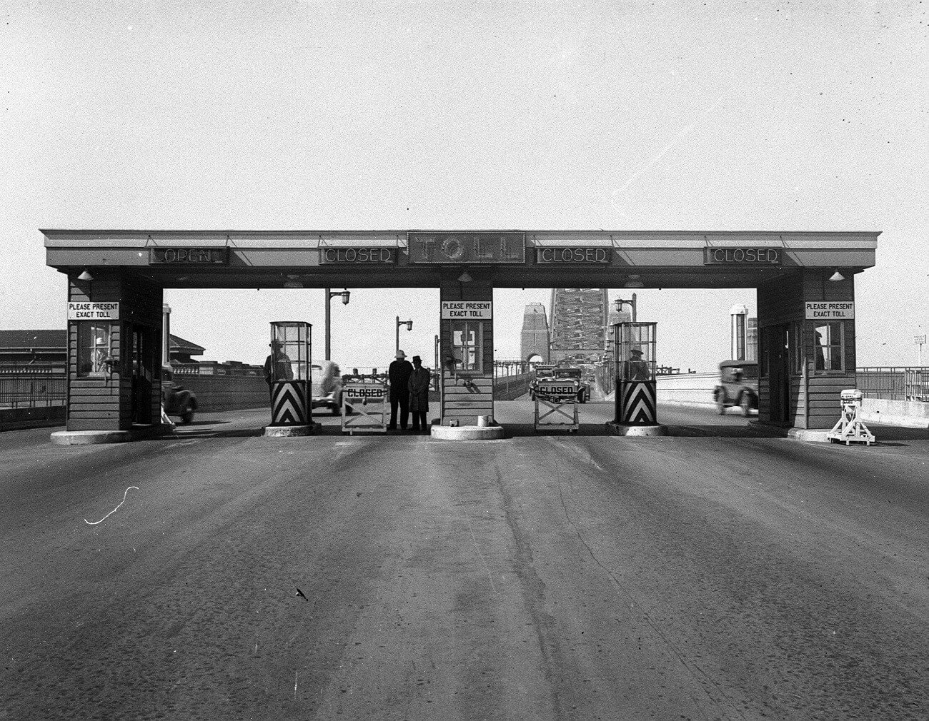 Sydney Harbour Bridge toll gates, photograph by Hall and Co, 1933, Home and Away – 35256
